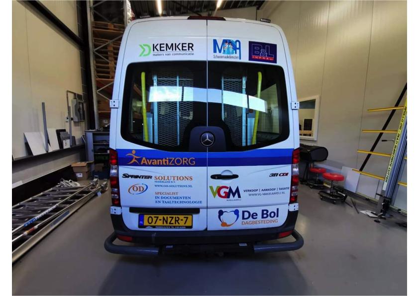 Bus Avantizorg met OD-Solutions logo achterkant
